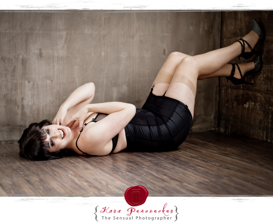 Portland Boudoir Photography | Kara Pesznecker | The Sensual Photographer | Snakeskin Shoes
