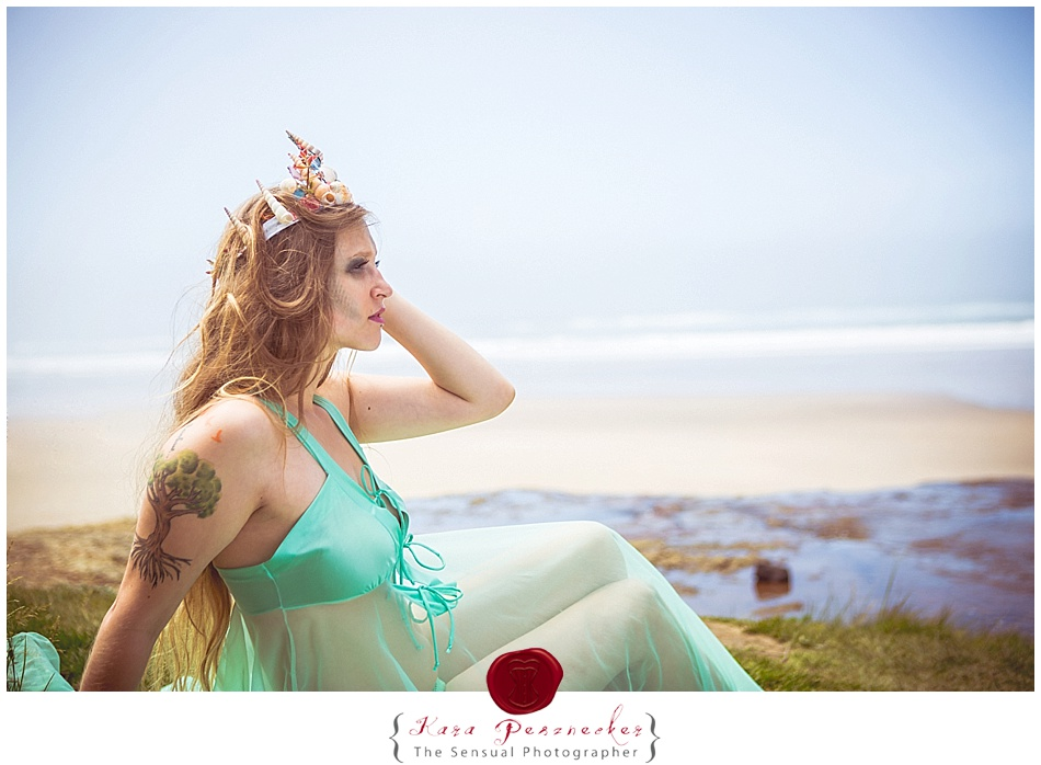 Sea Queen | The Sensual Photographer | Model Jasmine | Oregon Coast Hug Point